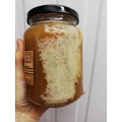 Le miel de juin cristallise.
